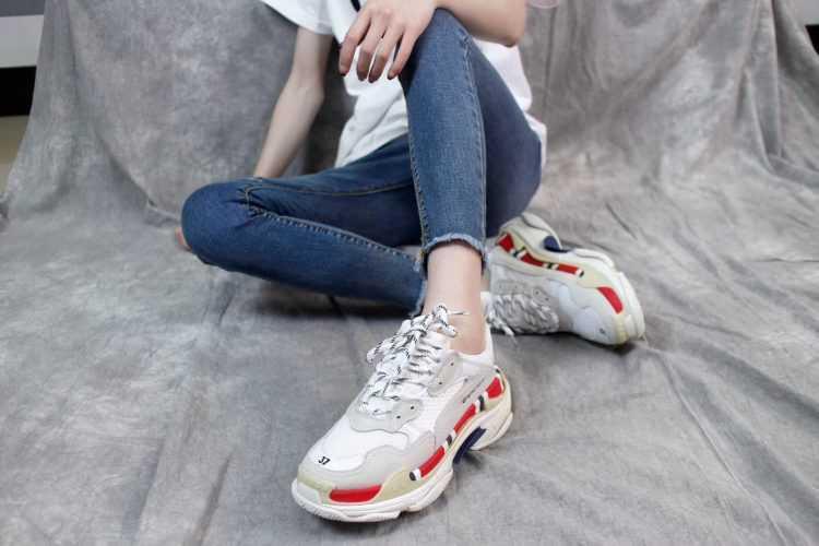 Nằm mơ thấy giày có ý nghĩa gì? Giải mã giấc mơ thấy giày là điềm gì?
